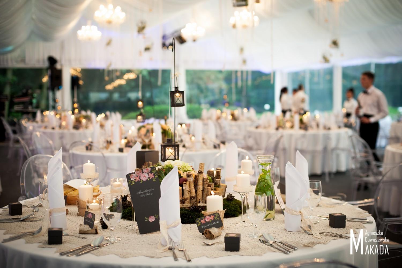 Pałac Rozlin | Dekoracja stołu gości